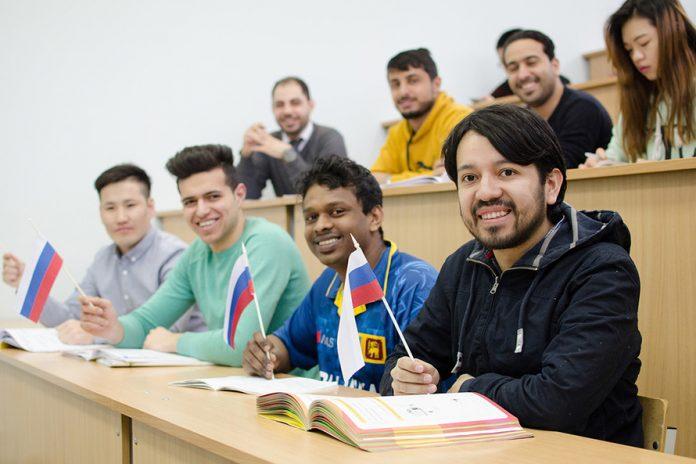 Иностранные студенты в России // Источник: studyinrussia.ru