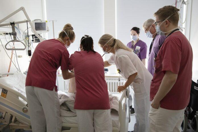 Врачи в главной больнице Исландии