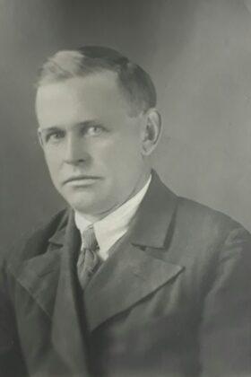 Антипенко Григорий Михайлович_1905-19.08.1944_Командир отряда стрелков