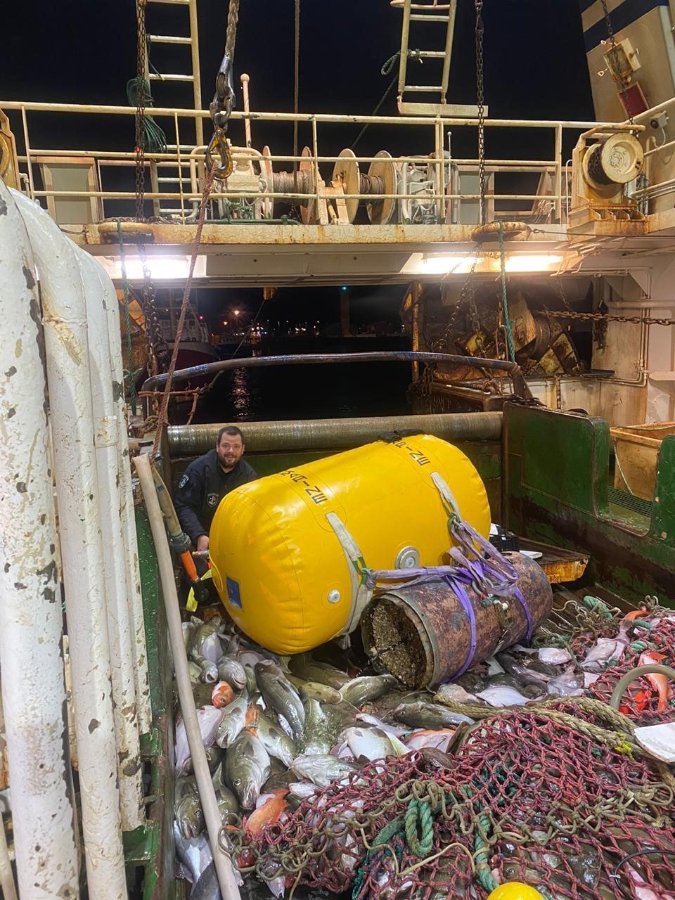 Мина в рыбацких сетях Фото: Исландская Береговая Охрана