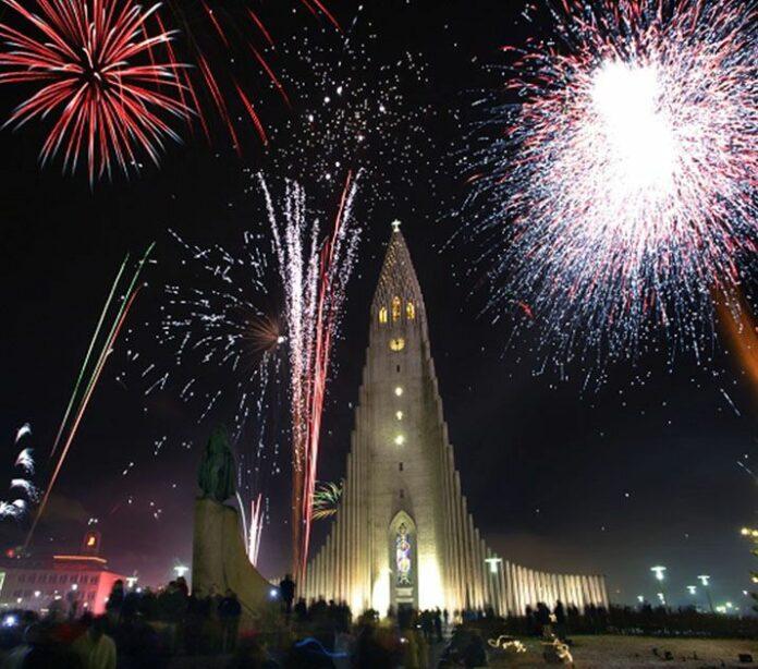 Новый Год в Рейкьявике. Фото из открытых источников